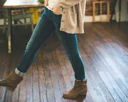 Light fashion hands woman